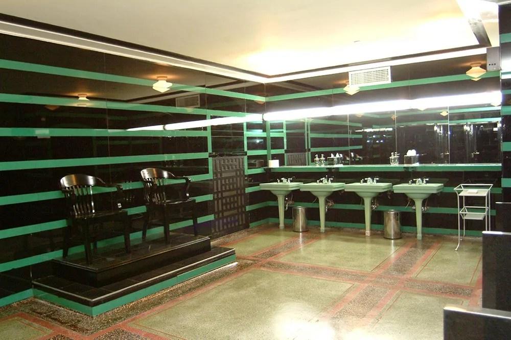 Nashville Hermitage hotel bathroom. Green and black men's room