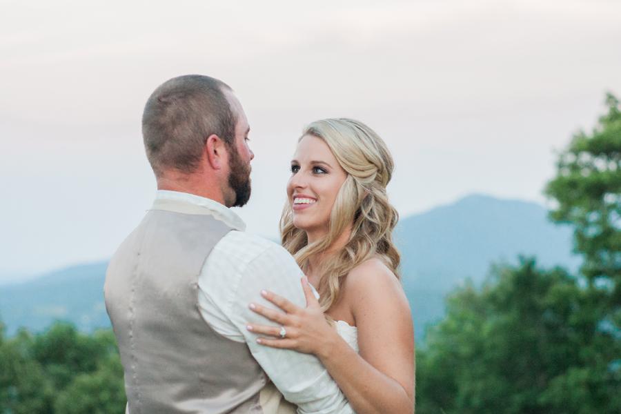 Overlook Barn Banner Elk, NC Wedding Pictures