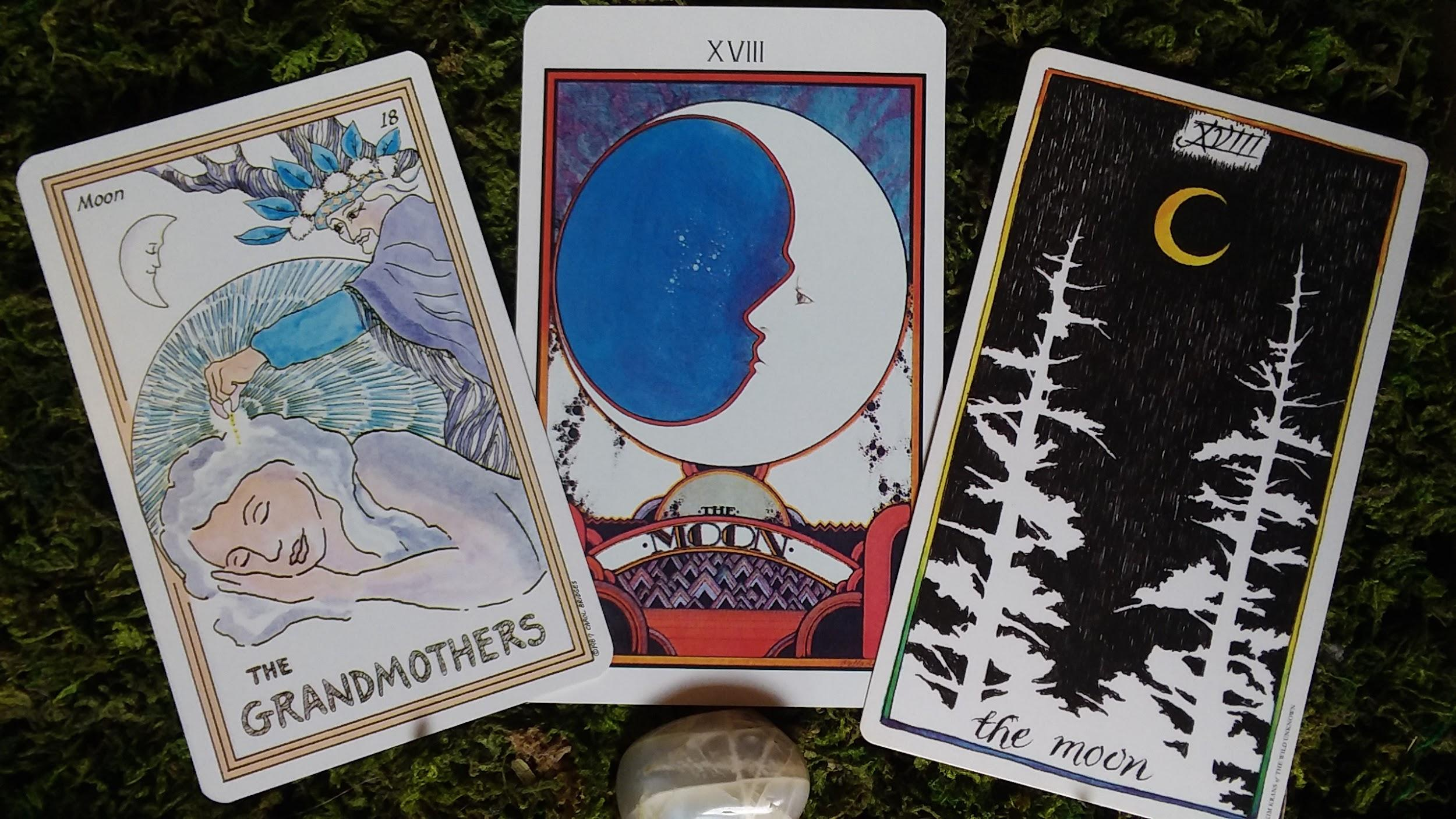 Tarot Spreads for the New and Full Moon - Wayfinder Tarot