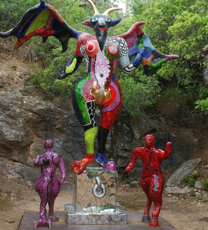 niki-de-saint-phalle sculpture