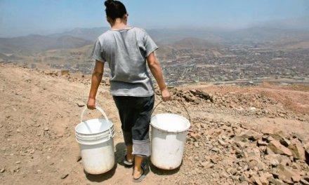 En Perú pagamos por agua hasta 100 veces más que las grandes empresas
