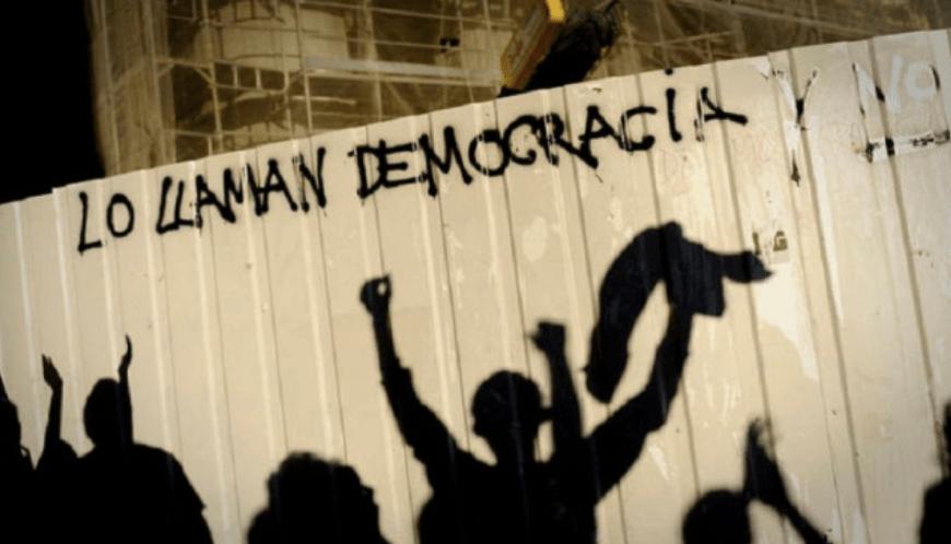 Le llaman democracia y no lo es