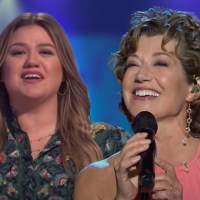 """Amy Grant Performs 90's Hit """"Good for Me"""" on the Kelly Clarkson Show"""