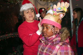 christmas_in_waynedale_2011_photo_20120607_1130058547