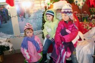 christmas_in_waynedale_2011_photo_20120607_1349190905