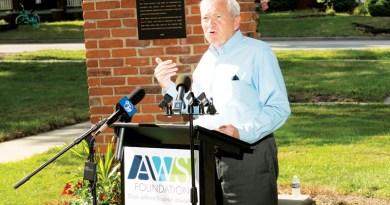 COMMUNITY LEADERS APPLAUD 30TH ANNIVERSARY OF ADA