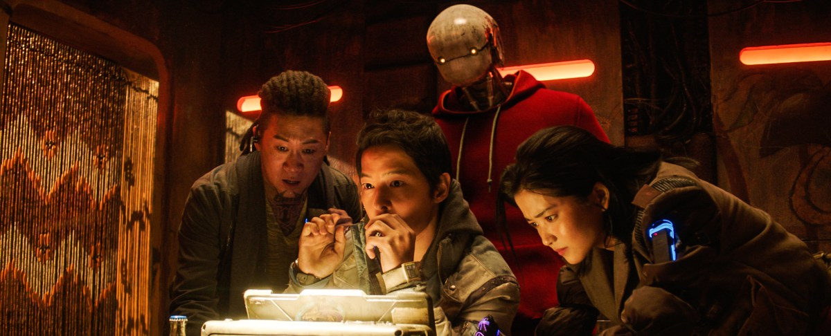 宋仲基金泰梨《勝利號》介紹,韓國首部宇宙科幻電影,2月5日NETFLIX上映