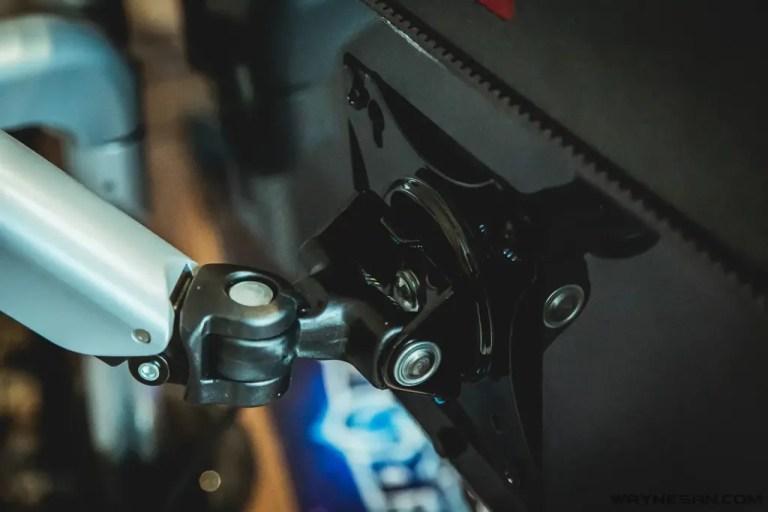 iErgoArm® 延伸軸 氣壓式 雙螢幕支架 11