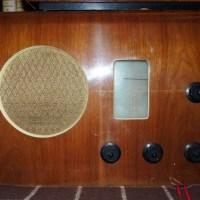 R D Russell Modernist Radio