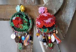 Wayome upcycling boucles d'oreilles lettres zoom