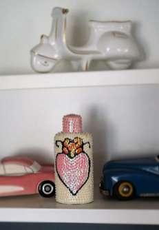 Wayome Upcycling bouteille vaudou rose mise en scène