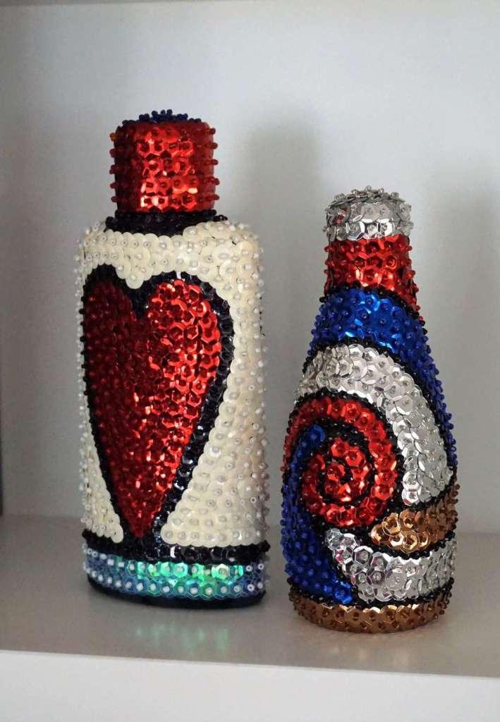 bouteilles vaudou rouges