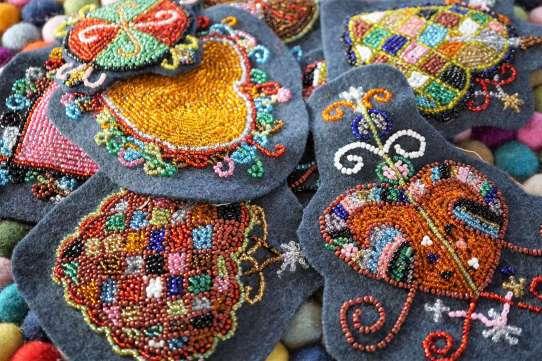 Wayome Upcycling patch vaudou tas sur tapis gros plan