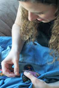 Wayome Upcycling customiser une chemise en jean - couture image six