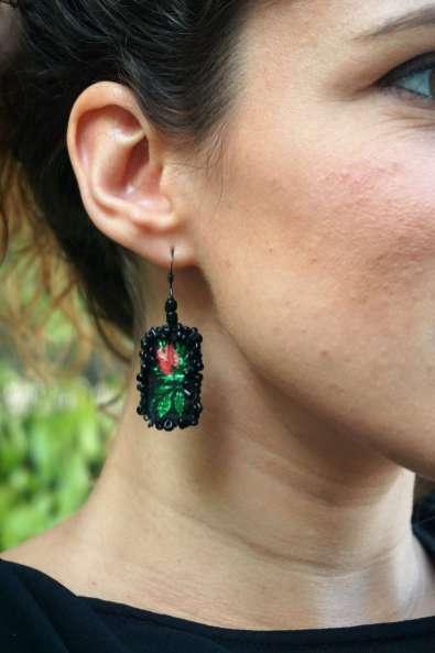 Wayome Upcycling des boucles d'oreilles fabriquées avec des rubans zoom noir