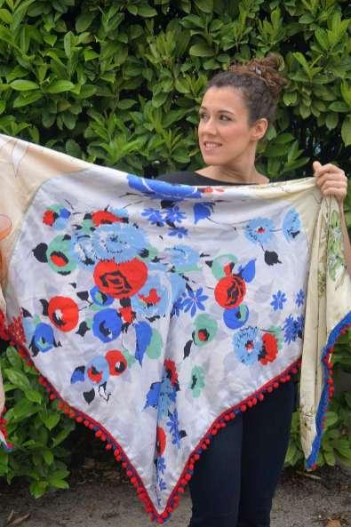Wayome Upcycling foulard bleu blanc rouge deplié blanc