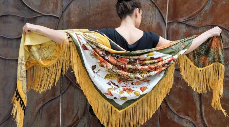 Wayome Upcycling foulard noir et jaune image une