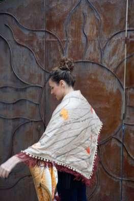 Wayome Upcycling foulard orange et crème dos