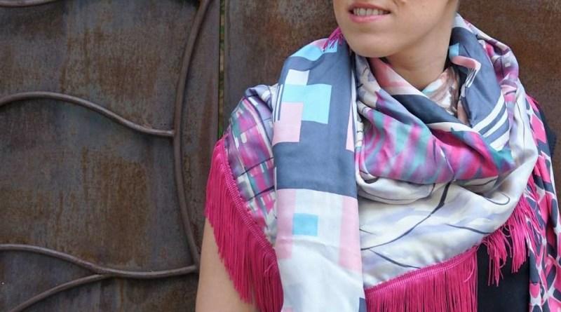 Wayome Upcycling foulard rose fushia regard gauche image une