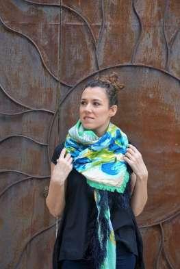 Wayome Upcycling foulard vert d'eau droit regard gauche