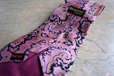 Wayome Upcycling que faire avec ces cravates rose burton