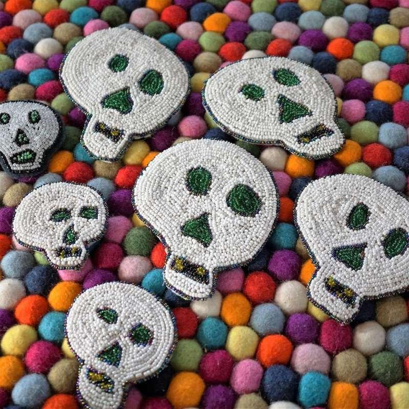 Wayome Upcycling des têtes de mort très halloween carré