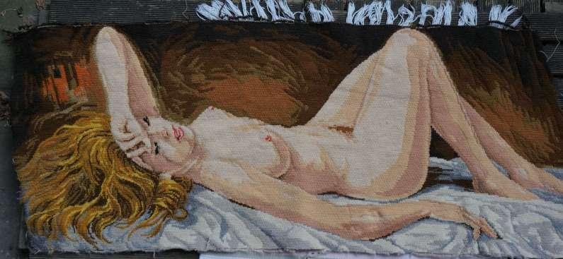 Wayome Upcycling petit florilège de canevas femme nue gauche
