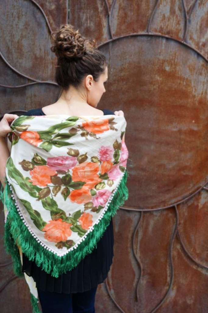 Wayome upcycling le foulard en soie vert jardin dos blanc gauche