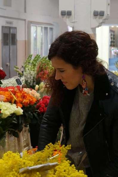Wayome upcycling faire son marché avec de belles boucles d'oreilles en canevas fleurs regard coté