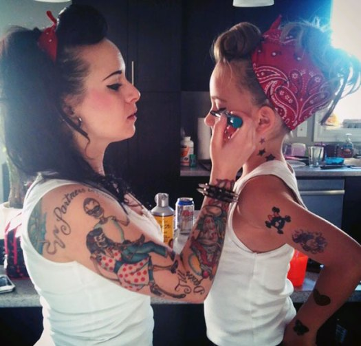 like-mother-like-daughter-funny-photography-22