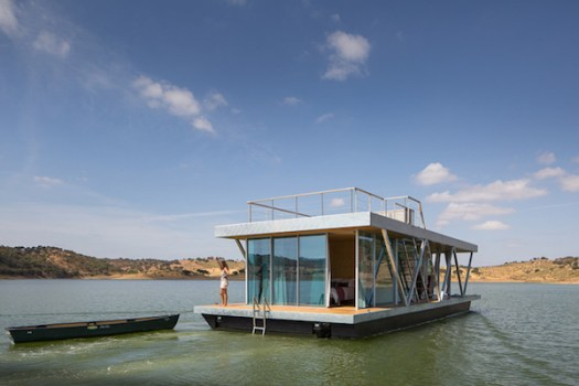 Solar-powered-floating-house 11