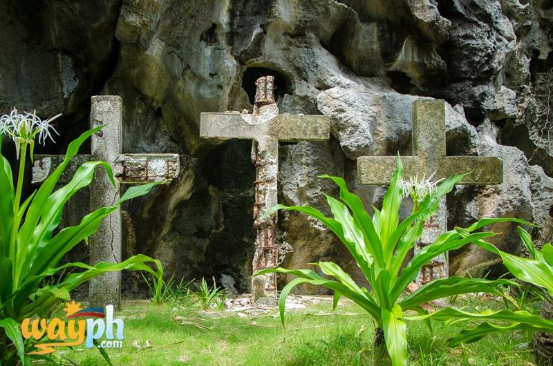 El-Nido-matinloc-shrine-9775