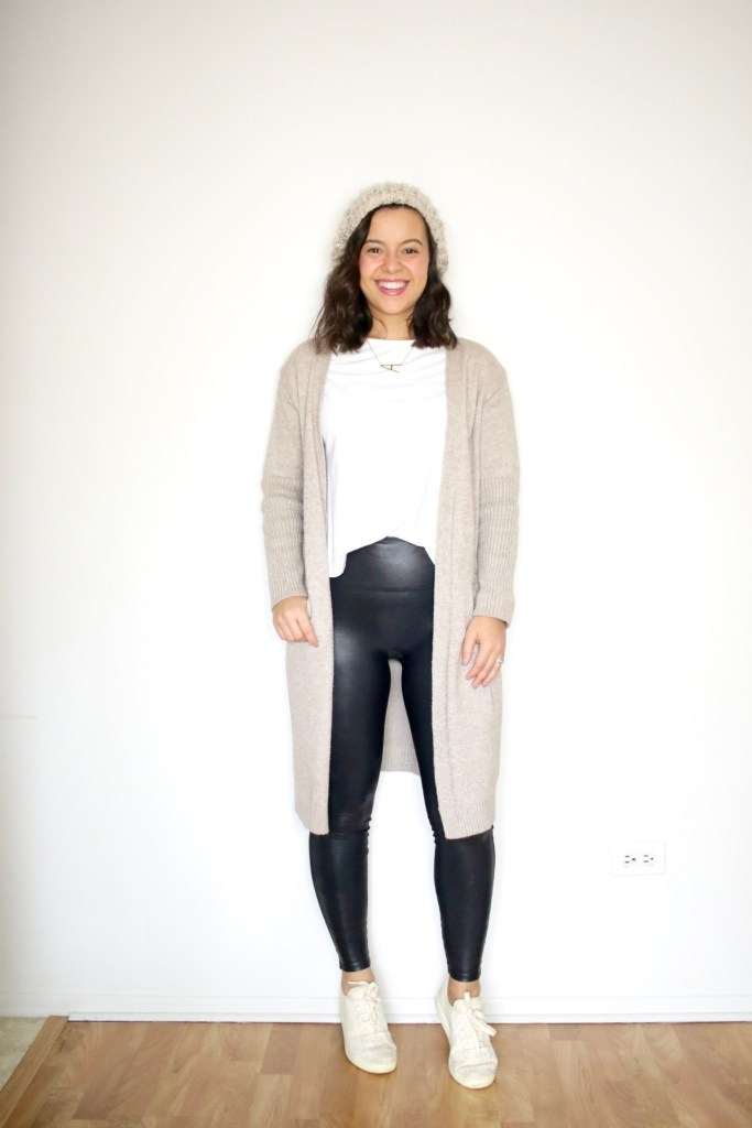 Classic style for women with a long cardigan and a white tshirt