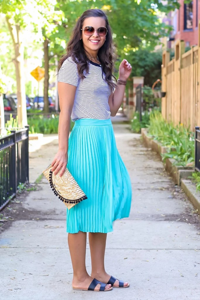 pleated midi skirt outfit for summer