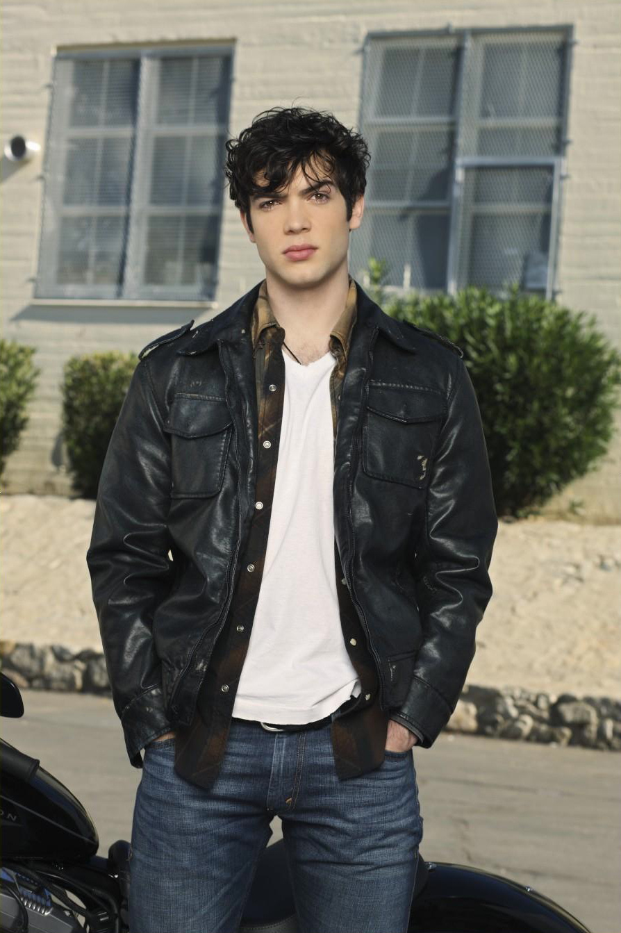Ethan Peck  Celebrities lists