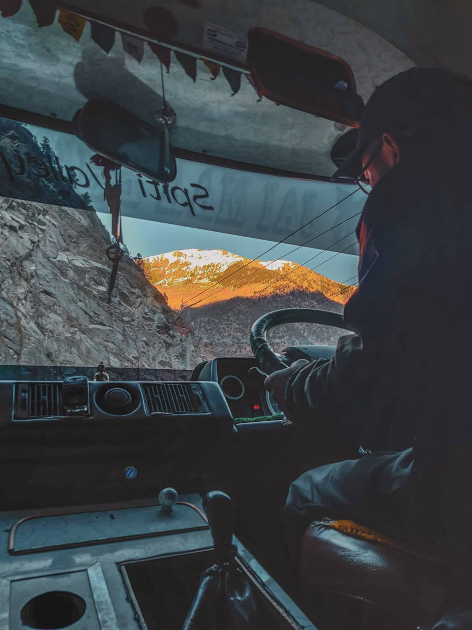 sunset drives in spiti valley winters