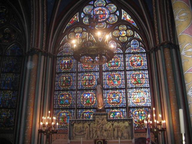 Interior da Catedral Notre Dame