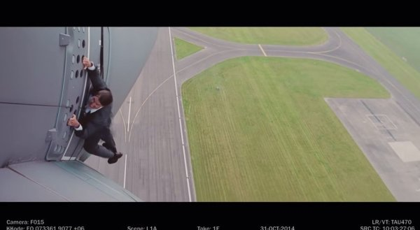 Tom Cruise does his own stunts - Mission Impossible