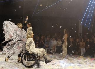 Lisa Cox on the fashion runway
