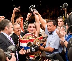 Juan Manuel Márquez KOs Díaz for WBA 135