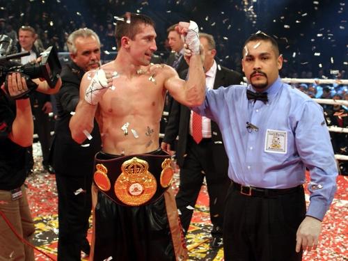 Senchenko dethrones Nuzhnenko and captured WBA Welterweight Title