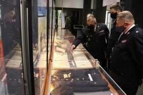 Prezentacja zbiorów kolekcjonerskich eksponowanych na wystawie - mł. bryg. w st. spocz. Mirosław Walicki
