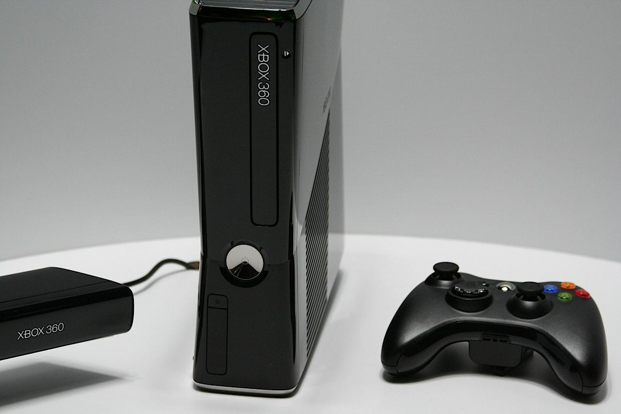 Xbox 360 Slim Live Shots