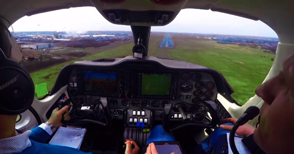 Jak wygląda lądowanie samolotu z perspektywy pilota w Mielcu? [VIDEO]