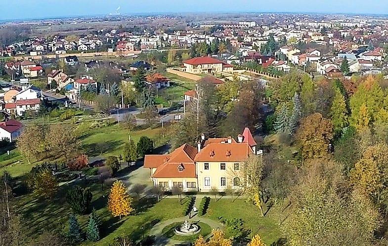 Pałacyk Oborskich zaprasza do wspólnego wędrowania Mieleckim Szlakiem Niepodległości