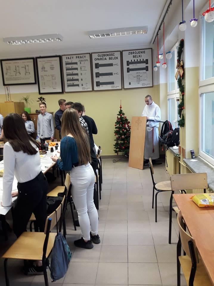 Świątecznie i klimatycznie w klasie I TB z Zespołu Szkół Budowlanych w Mielcu [FOTO]