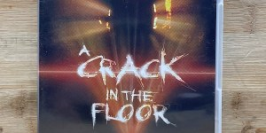A Crack In The Floor Cert (18) Used VG