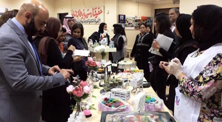 من فعالية مناقشة مشاريع التخرج للمنتسبين لبرنامج العلوم الادارية والتجارية من أبناء المواطنة المتزوجة من غير كويتي