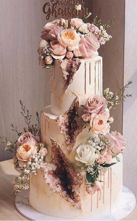 World Class Weddings cake-5 Confectionately Yours!