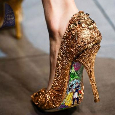 World Class Weddings custom-shoe Fit For A Princess!